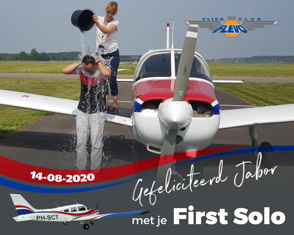 Vliegclub Flevo feliciteert Jabor met zijn first solo. Ook vlieglessen - neem contact op met Vliegclub Flevo. #vliegclubflevo #vlieglessen #ehle #firstsolo